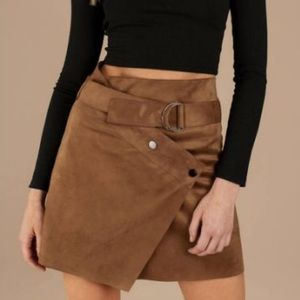 Astr Dione suede mini skirt size M